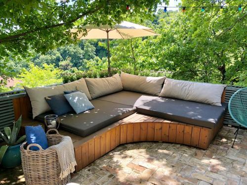 Kerti pihenő matrac, kültéri kanapé párna készítés